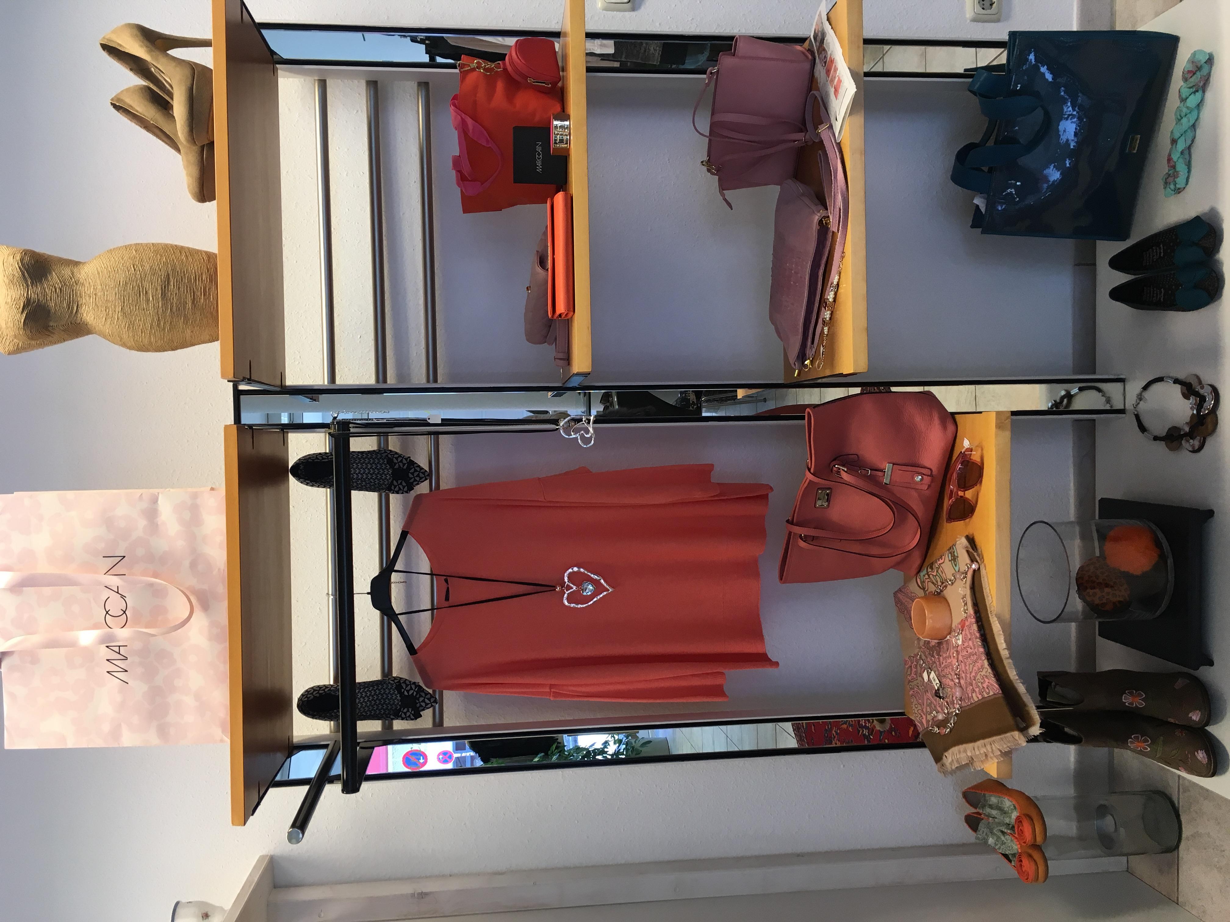 francine designer second hand. Black Bedroom Furniture Sets. Home Design Ideas